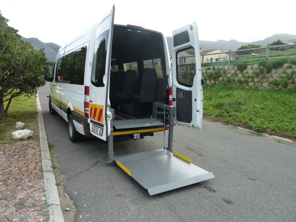hydraulic lift on accessible bus
